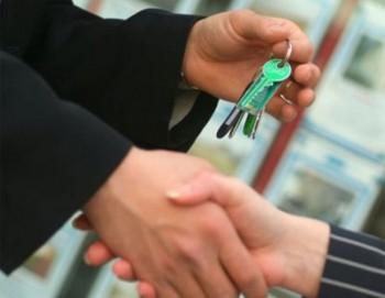 Собственники квартир готовы уступать в цене аренды < p > Около 42% собственников...