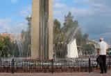 Фонтан на площади Победы слили из-за засора