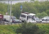ДТП на дамбе Яченского водохранилища парализовало движение транспорта