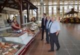 Александр Иванов посетил праздничную ярмарку и выставку – дегустацию «Покупай калужское»
