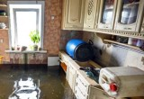 Знойная женщина затопила 4 этажа кипятком