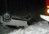«Mazda» опрокинулась в кювет, есть пострадавший