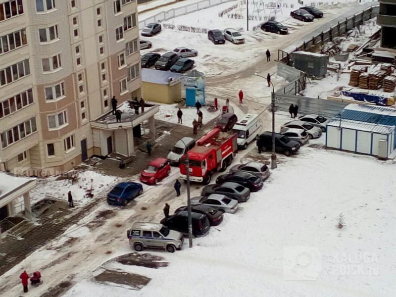 Школьница разбилась, пытаясь выйти вокно изквартиры многоэтажки