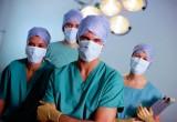 Надбавку врачам урежут вдвое в 2017 году