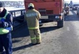 """Утром на дамбе """"Hyundai"""" влетел в """"КАМАЗ"""". Фото"""