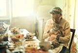 Сотрудница социальной службы обокрала подопечную старушку