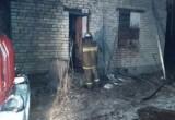 При пожаре в нежилом здании пострадал человек