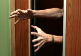 Прокуратура занялась опасными лифтами