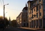 Улицу Дзержинского, вопреки обещаниям, не закрыли для автотранспорта