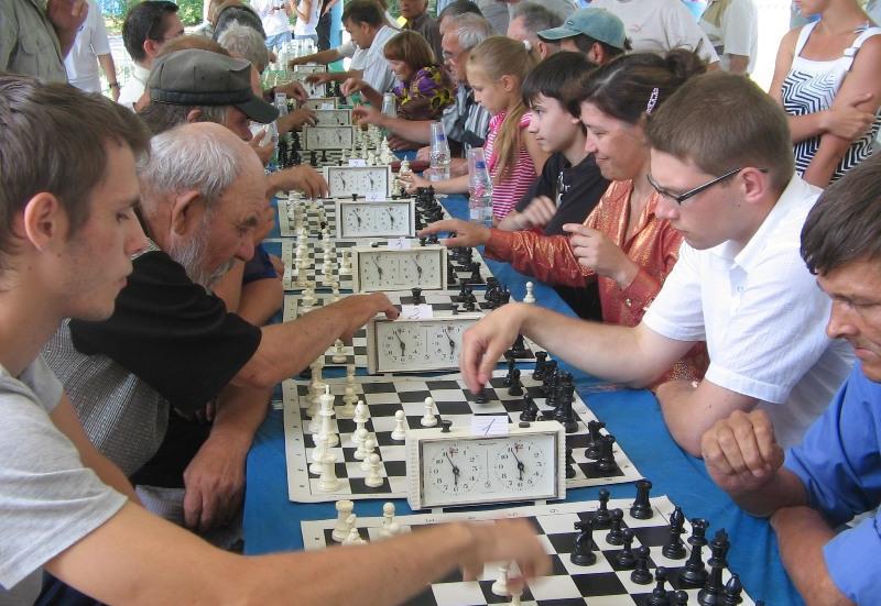 Битва поколений: пенсионеры сыграют в шахматы со студентами