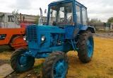 Молодой мужчина угнал трактор на ферме