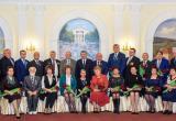 Анатолий Артамонов вручил государственные и областные награды землякам