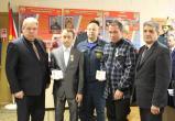 МЧС наградило двух мужчин медалями за спасение утопающего