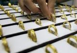 Молодая девушка дважды обокрала ювелирный магазин