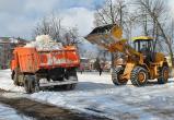 С семи улиц Калуги вывезут снег