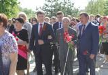 К мемориалу воинов-освободителей возложили цветы