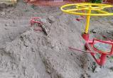 Детская площадка пострадала от рук коммунальщиков