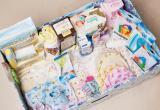 При выписке из роддомов мамам будут дарить вещи для малышей