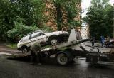 С улиц Калуги эвакуируют брошенные машины