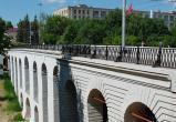 Падение мужчины с Каменного моста прокомментировала полиция