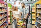 Экономная пара украла в магазине сало и конфеты