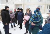 Вода из крана не течет, зато течет крыша: жильцы проблемных домов пожаловались градоначальнику
