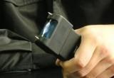 Полицейский пытал незаконно задержанного мужчину