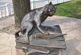 """Скульптуру """"Учёного кота"""" хотят переселить к студентам"""