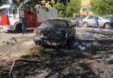 Три иномарки пострадали в результате пожара в центре Калуги