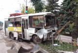 В утреннем ДТП с автобусом и катафалком пострадали водители
