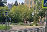 Около школ установили новые светофоры на солнечных батареях