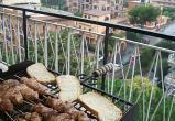 Россиянам запретили жарить шашлык и закуривать на балконе