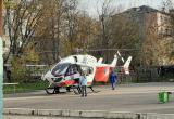 У школы №7 приземлился медицинский вертолет