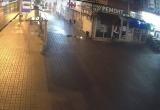 Юная автоледи влетела в обувной магазин в центре Калуги (видео)